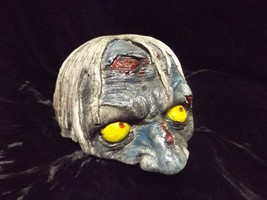 The Peeker Zombie Head Floor Dweller Statue Macabre Creepy Strange Decor... - $24.99
