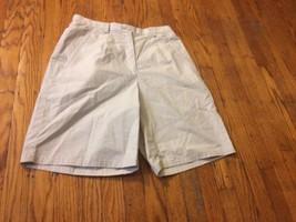 Womens's Liz Claiborne Classic Chino Shorts Size 6 Sz Beige Golf Bermuda... - $19.34