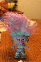 2015 HASBRO DWA COLORFUL CUTE TROLL GIRL DOLL C-C15G bLUe pUrpLE W EARINGS - $8.99