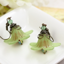 Green Earrings, Flower Earrings, Lucite Earrings, Autumn Earrings, Lily ... - $15.00