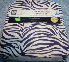 Twin XL 3 piece soft black & white sheet set with bag - college dorm - New  - $9.89