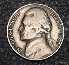 1942-D Circulated Jefferson Nickel Free Shipping Satisfaction Guaranteed! - $2.99