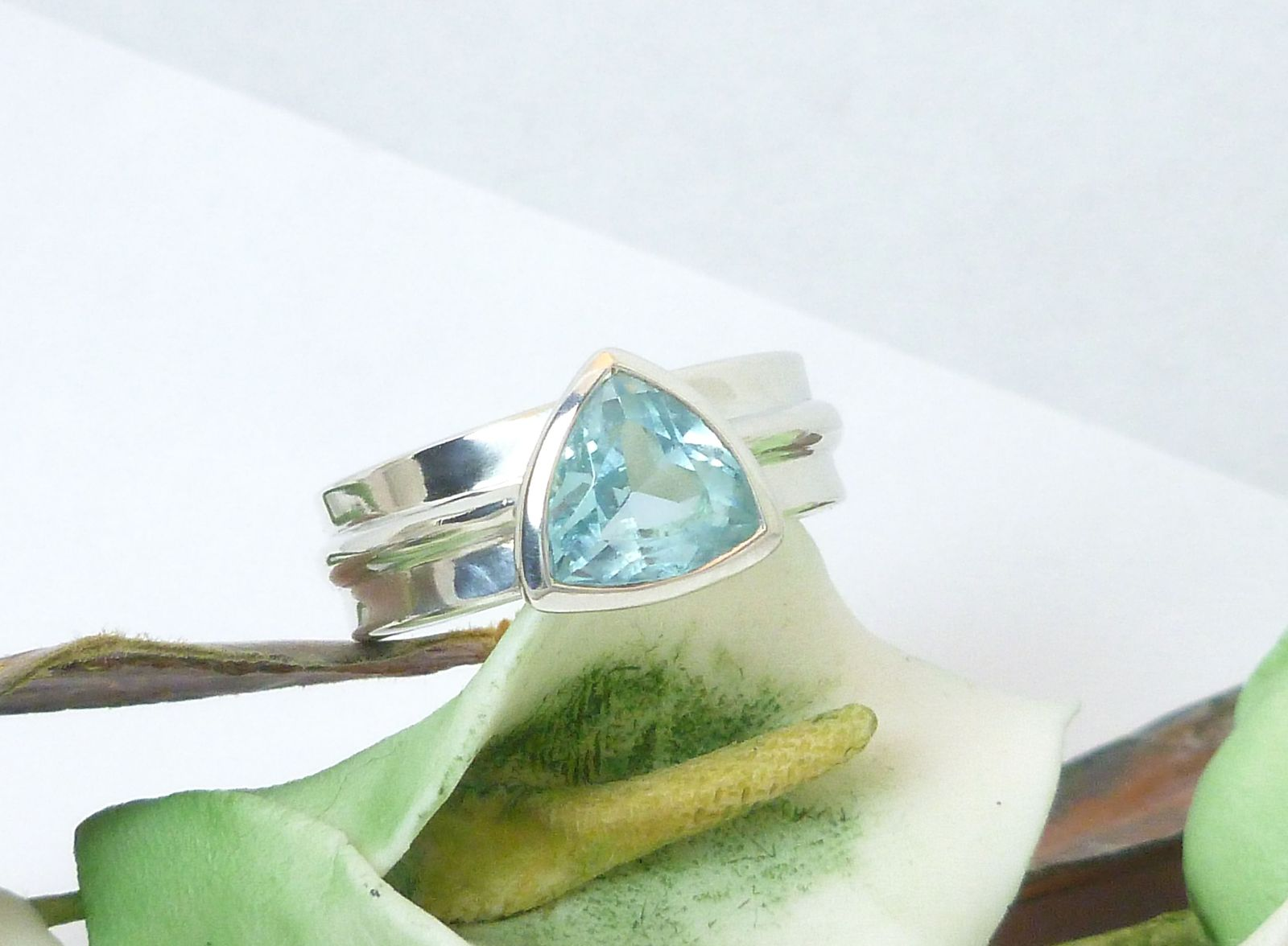 Sterling Blue Topaz Triangle Bezel Set Band Ring Size 7