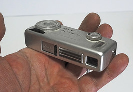 Minolta-16 MG in leather case, very nice 'spy-like' camera - $46.50