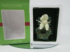 DEPT 56 69544 SNOWBABIES ORNAMENT HANG ON FOR THE HOLLYDAYS NEW - $14.80