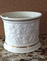 Lenox Ivory Grape Vine 24kt Gold Trim Jar Rare mint - $28.49