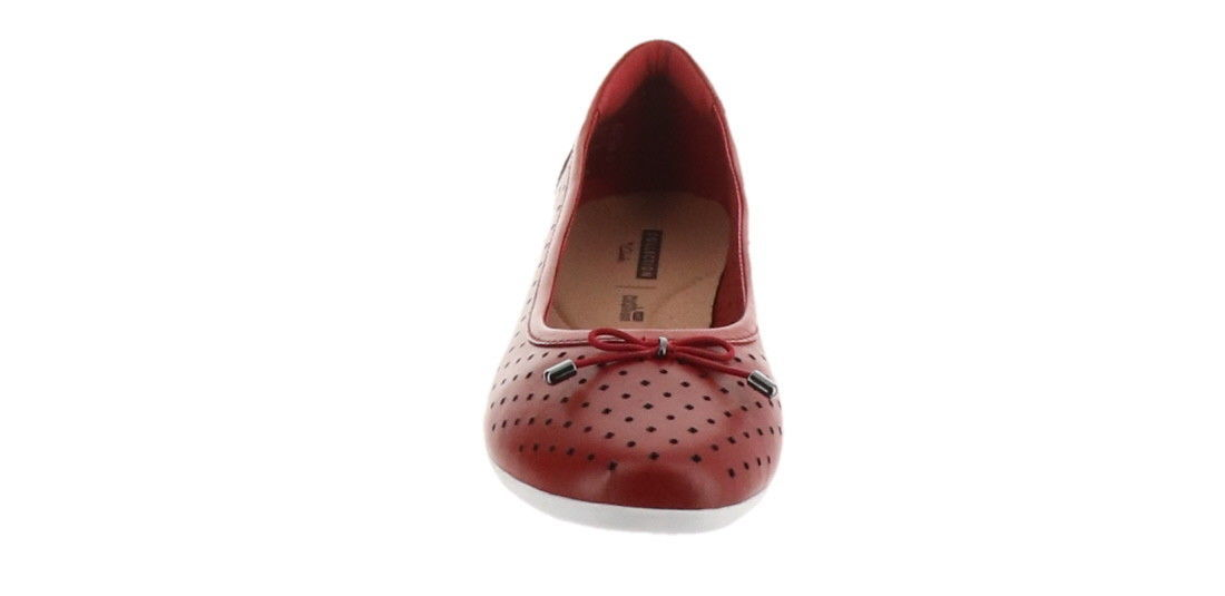 Clarks Perforated Leather Ballet Flats Gracelin Lea Red 7.5M NEW A306040