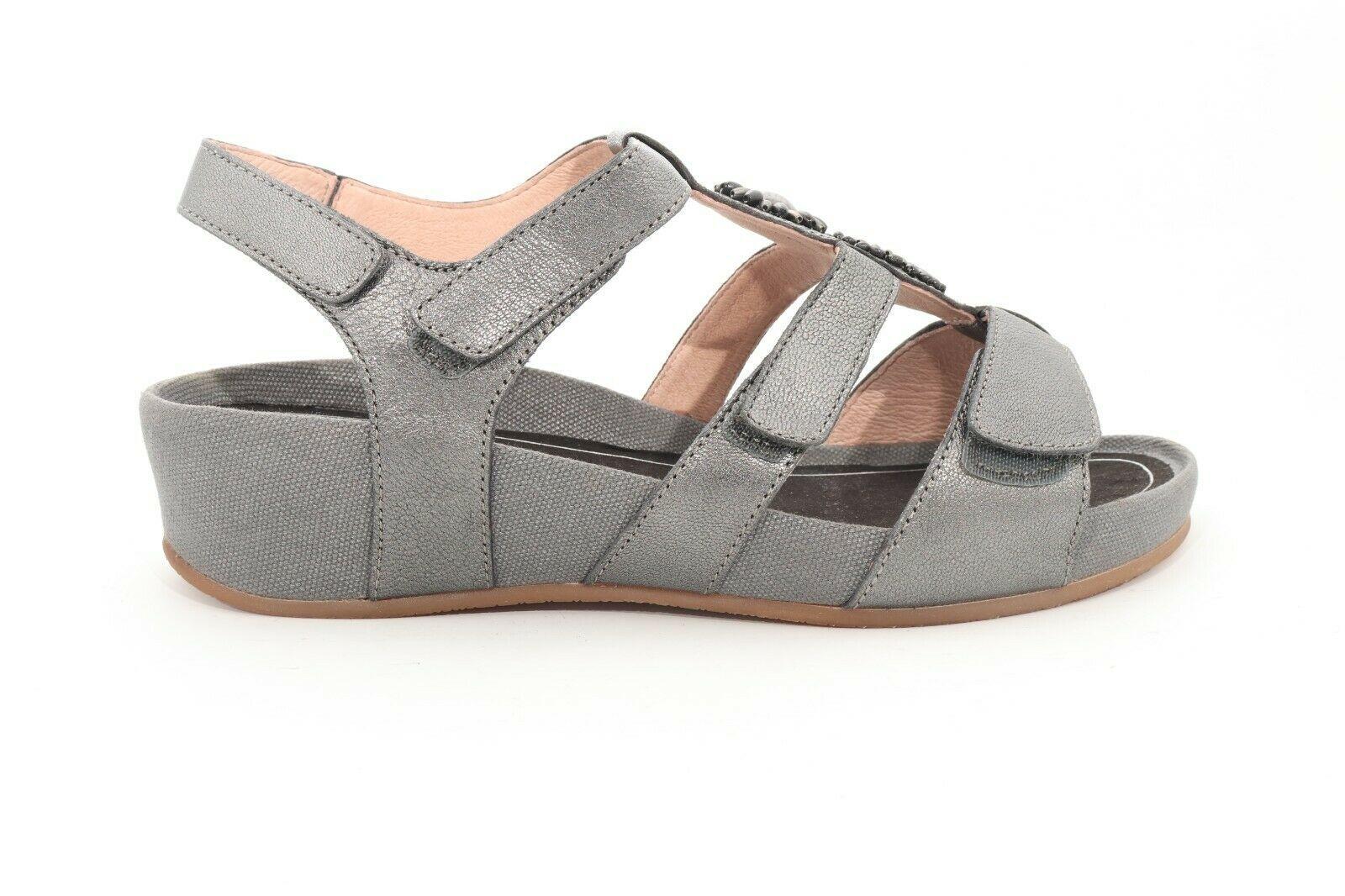 Abeo Gia Sandals Sand  PewterWomen's Size 8 () - $74.46
