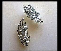 Leaf Clip-on Earrings AB 721 Vintage image 1