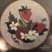 "Embroidery Stitchery Kit STRAWBERRIES 6"" round frame Vintage 1978 Hoop-N... - $14.80"