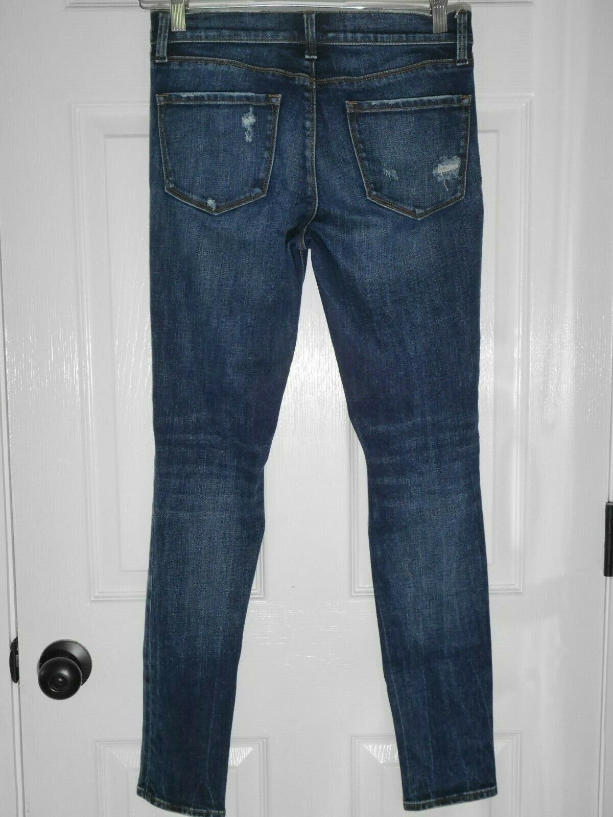 $228 J Brand - 620 Mid-Rise Super Skinny in Dark Erosion (Destroyed) - Size 26 image 3