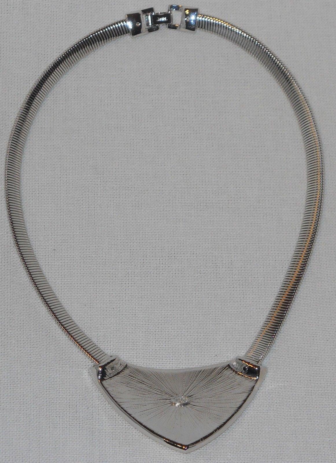 Vintage Trifari Art Deco Cream and Silver Bib Choker Necklace (18 in)