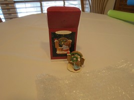 Hallmark Welcome Sign Tender Touches 1996 Ornament Christmas Keepsake RARE NOS image 2