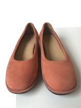 Lands End Shoes Womens Slip On Round Toe Suede Flats 9B NWOB 32447 Coral - $41.76
