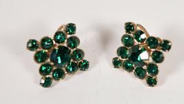 Vintage Weiss Emerald Green Rhinestone Gold Tone Earrings Screw Back - $19.80