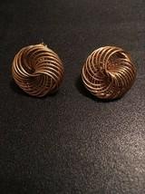 Vintage Sign Trifari Beautiful Spiral Design Goldtone Clip On Earring (245) - $10.00