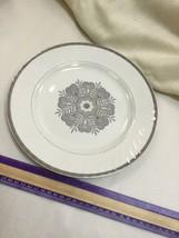 "Wedgwood Madeira Tunstall Enoch Platinum Trim 10"" Plate - $18.39"