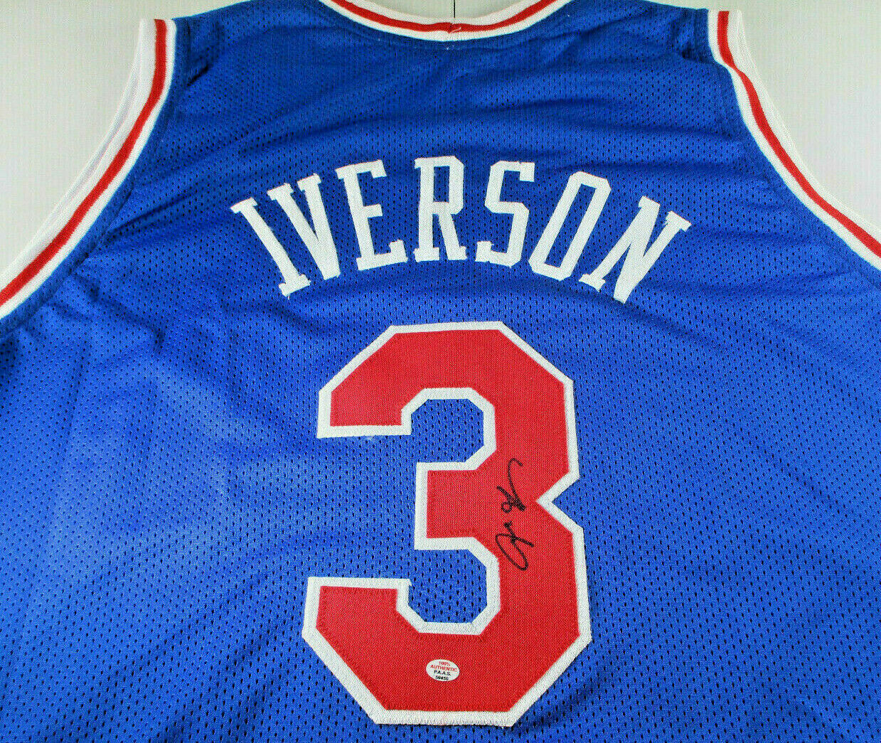 ALLEN IVERSON / NBA HALL OF FAME / AUTHOGRAPHED CUSTOM BASKETBALL JERSEY / COA