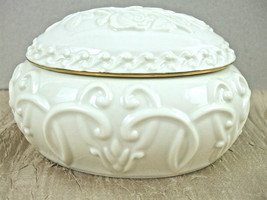 Lenox Ivory Color Oval Jewelry Music Box Roses Design Playing Beautiful ... - $14.80