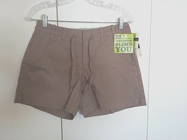 LEE JUST BELOW THE WAIST NATURAL FIT SHORT-4M-NWT-$34-INSTANTLY SLIMS YO... - $5.99