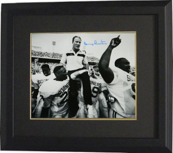 Primary image for Barry Switzer signed Oklahoma Sooners 16X20 B&W Photo Custom Framed (Carried Off