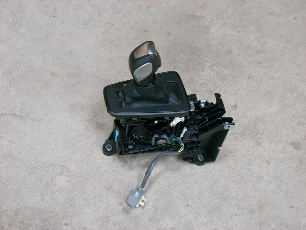2015 FORD FOCUS AUTOMATIC FLOOR GEAR SHIFTER ASSEMBLY GENUINE OEM