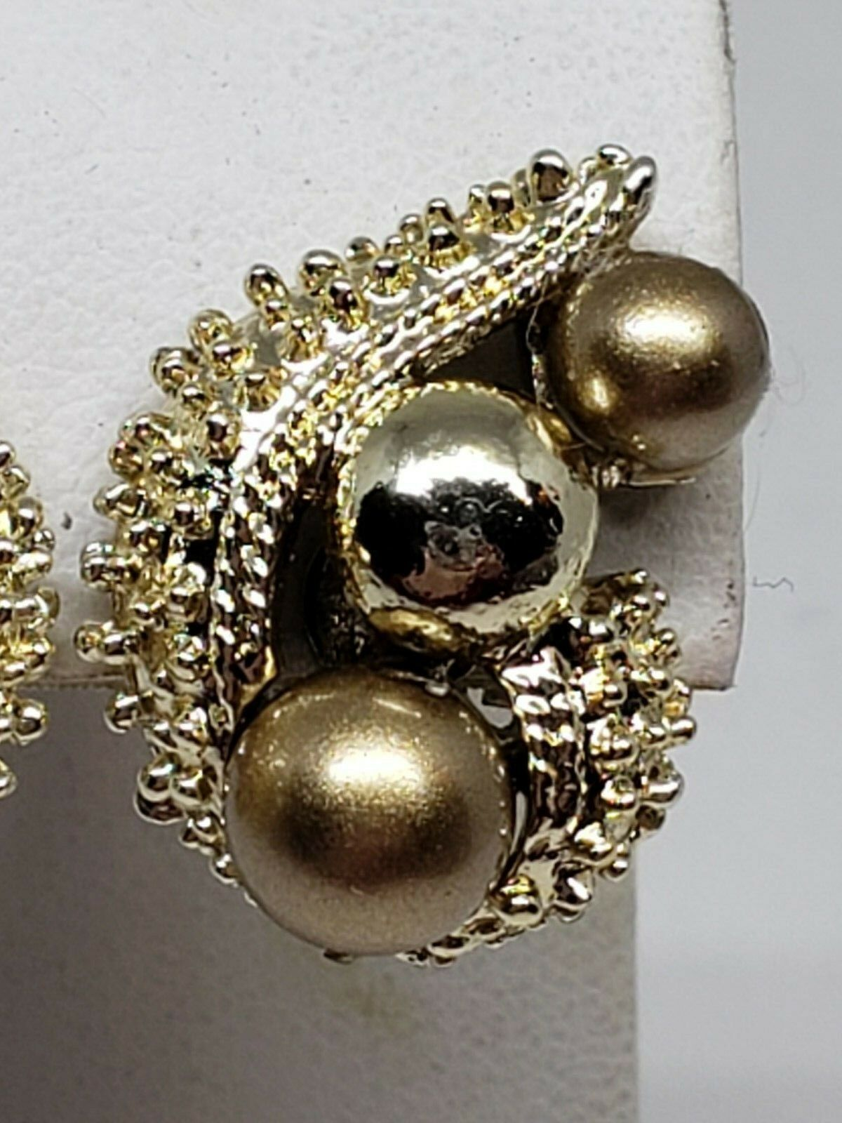 Coro Vintage Gold Tone Color Balls Clip On Earrings