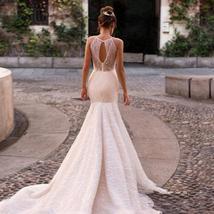 Sexy Sleeveless Romantic Appliques Mermaid Princess Wedding Dress image 2