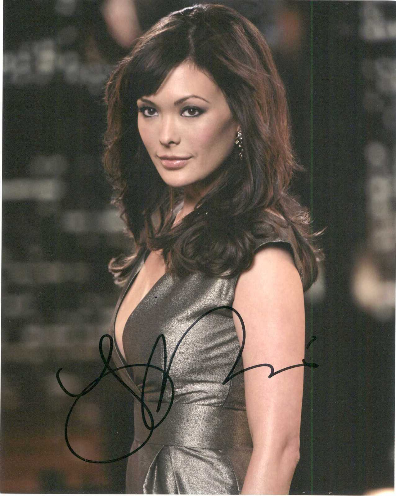 "Primary image for Lindsay Price Signed Autographed ""Lipstick Jungle"" Glossy 8x10 Photo"