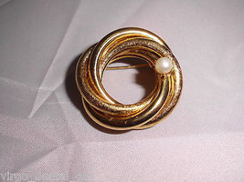 VTG Gold Tone Textured and Smooth Coil Wreath Faux Pearl Brooch Pin  - $19.80