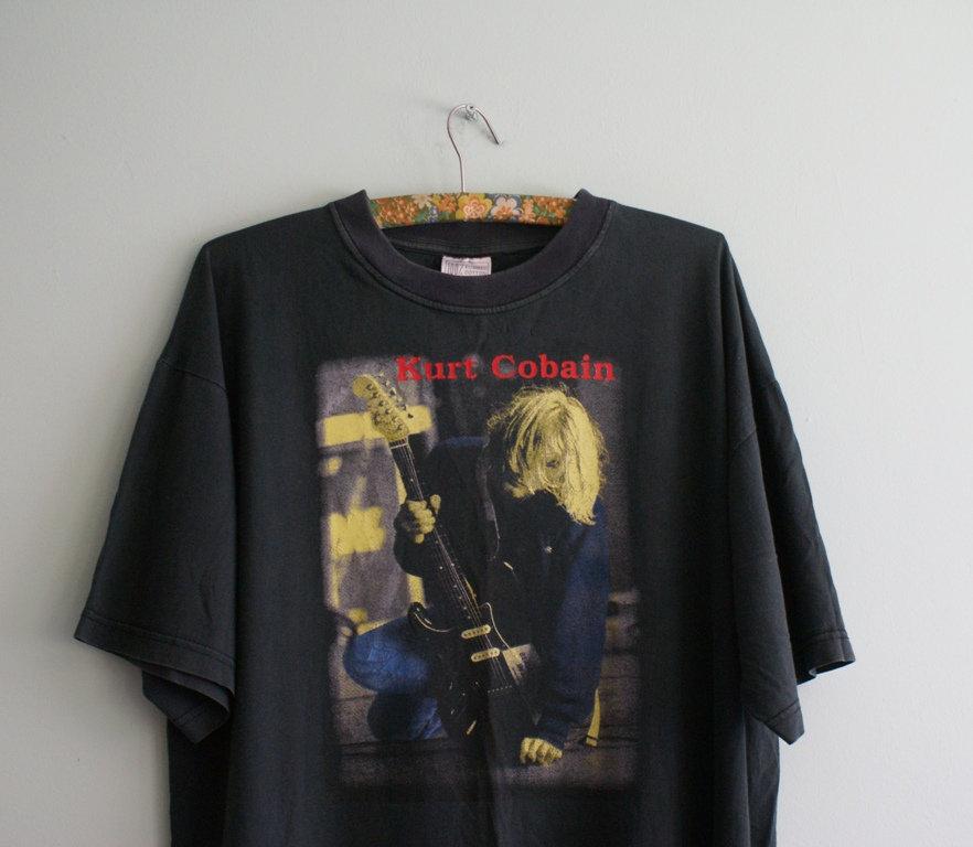9b334efe Kurt Cobain Vintage T-shirt, 90s Kurt Cobain and 27 similar items. Il  fullxfull.1572620495 pvas