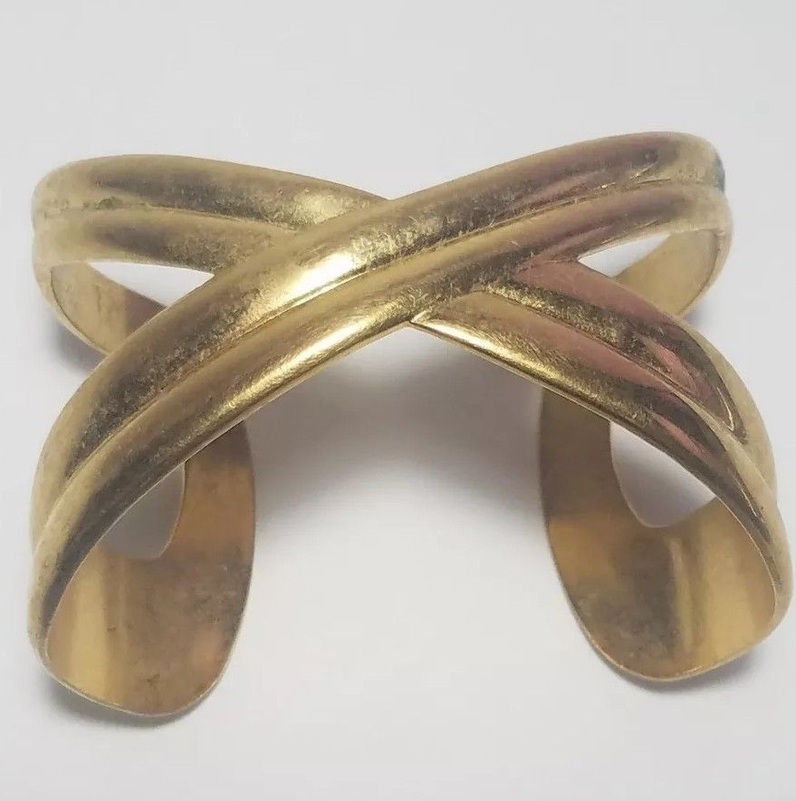 Cuff Bracelet Avon Dramatic Kiss 1989 Goldtone Vintage Big Statement Piece