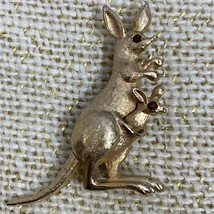Vintage Avon Articulated Figurative Kangaroo Brooch Pin With Joey Pouch ... - $12.82