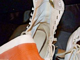 5 1/2 Women's Roller Skates with red and white case AA19-1592 Vintage image 9