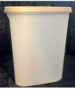 Tupperware...Almond Oval Sheer Cereal / Storage 1614 W/ Lid...Nice Condi... - $6.92