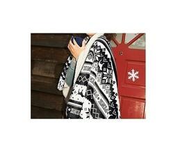 "Victoria's Secret PINK Sherpa Blanket Throw Blanket 50"" x 60"" NWT - $60.73"