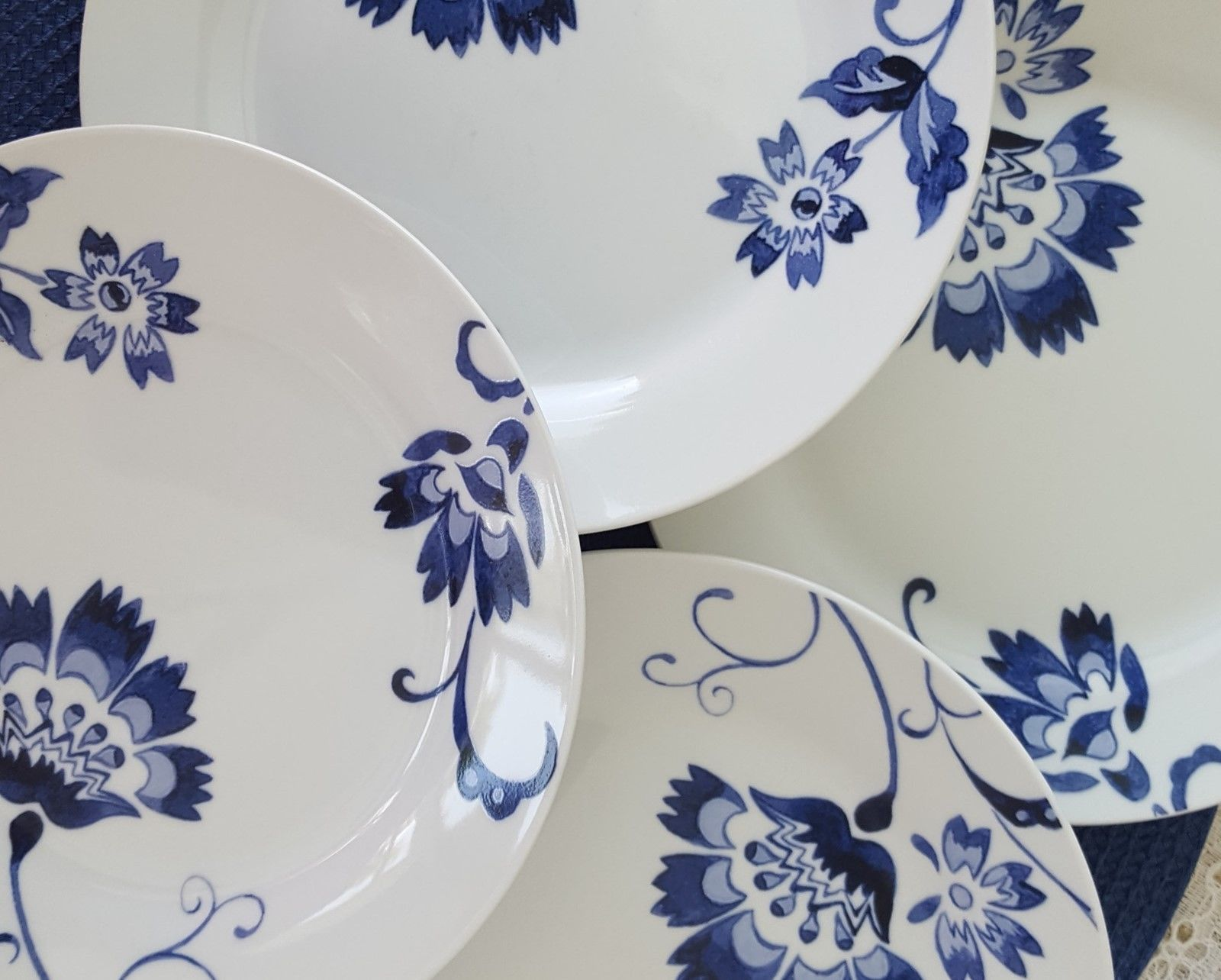 Set Of 4 Tabletops Gallery Unlimited Bluefield Salad Plates Dessert  Porcelain   $24.99