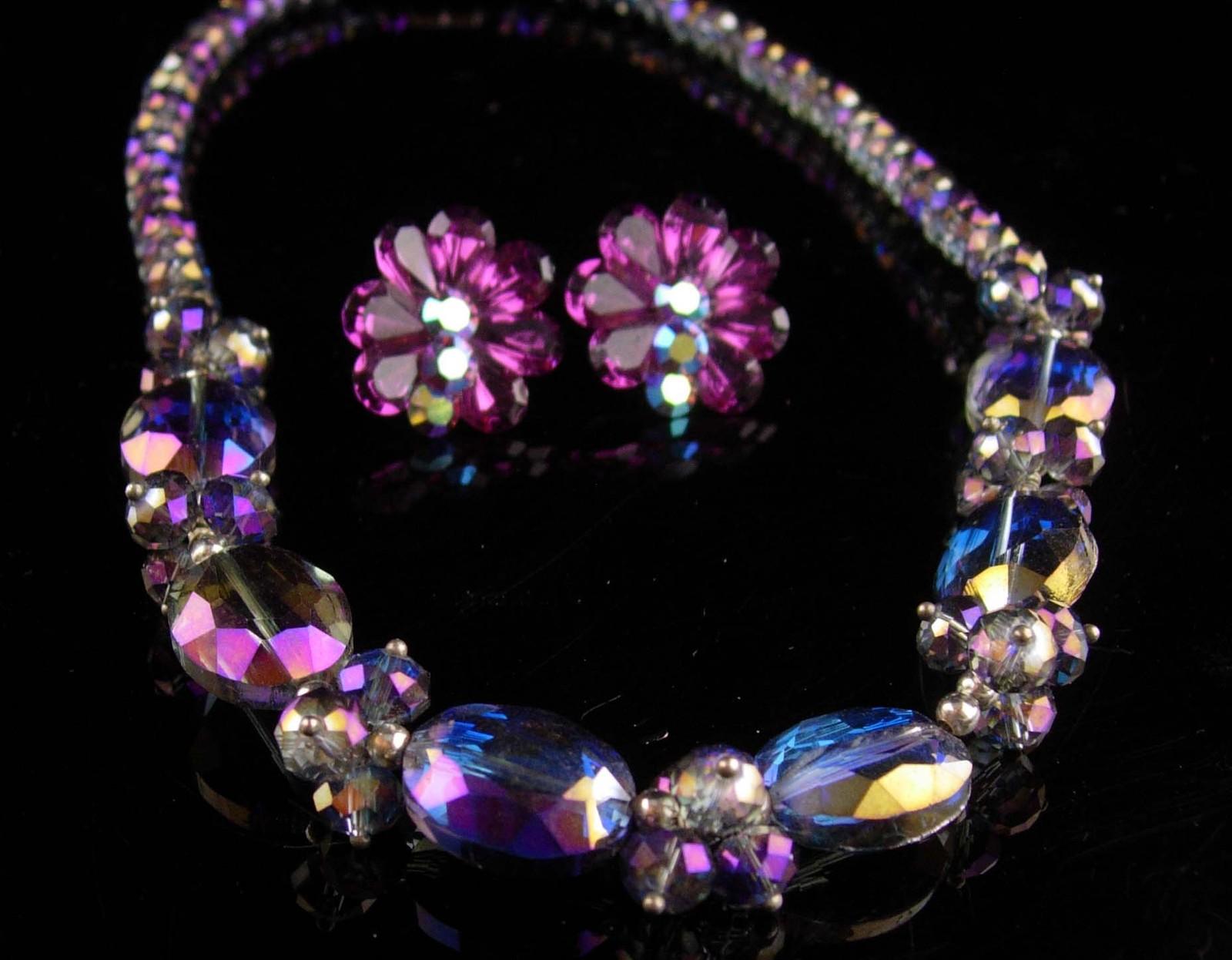Chunky Amethyst Glass Necklace / Purple Aurora borealis earrings - Vintage jewel