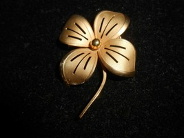 ✨ Vintage delicate Corocraft brooch pin gold tones flower design Coro Cr... - $13.36