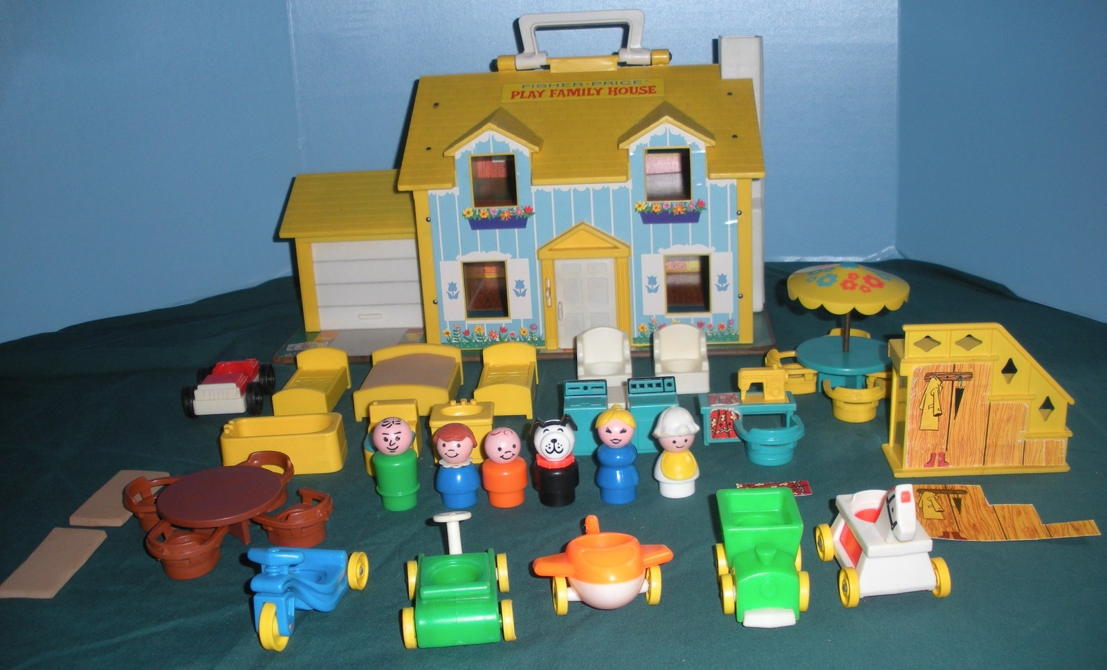 Vtg. Fisher Price Little People #952 Yellow House Comp.+ BONUS/ EXC++-NR MT  (P)