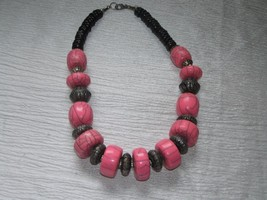 Estate Chunky Pink Crackle Plastic & Hollow Silvertone Beads & Black Woo... - $15.79