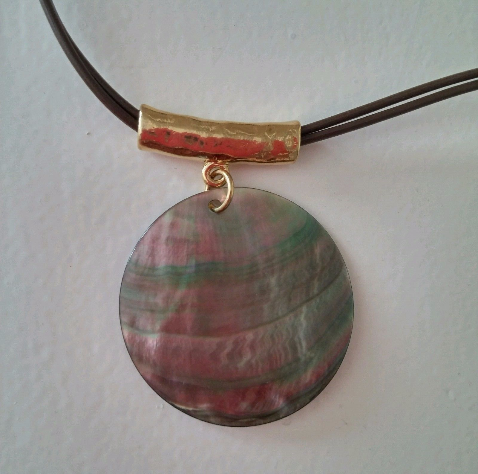 """Cookie Lee Genuine Shell Pendant Necklace Goldtone 18"""" NWT Plastic Double Cord"""