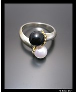TIFFANY & CO Black and White PEARL Bypass RING in Sterling Silver with 1... - $456.09 CAD