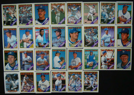 1988 Topps Milwaukee Brewers Team Set of 33 Baseball Cards With Traded - $4.50