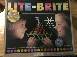 Lite Brite flat screen 214 pieces Hasbro toy 206 colorful pegs NEW - $13.09
