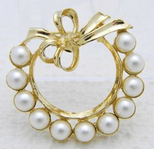 Vintage GERRY's Signed Gold Tone Faux Pearl Bow Wreath Brooch Pin - $19.80
