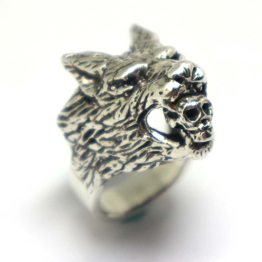 Werewolf Biting Skull Ring