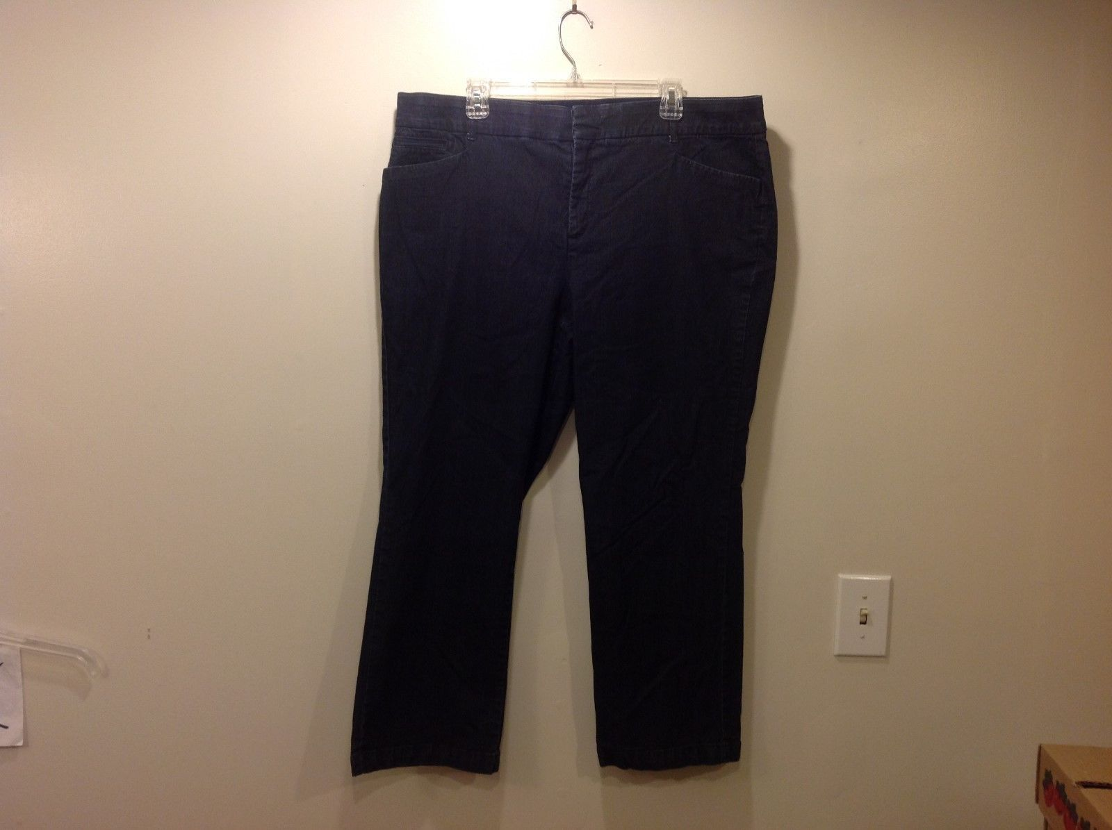 JM Collection Woman's Dark Capri Jeans Sz 20WP