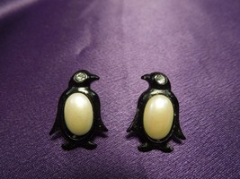 Vintage Black Celluloid Rhinestone Eyes Penguins Earrings - $13.37