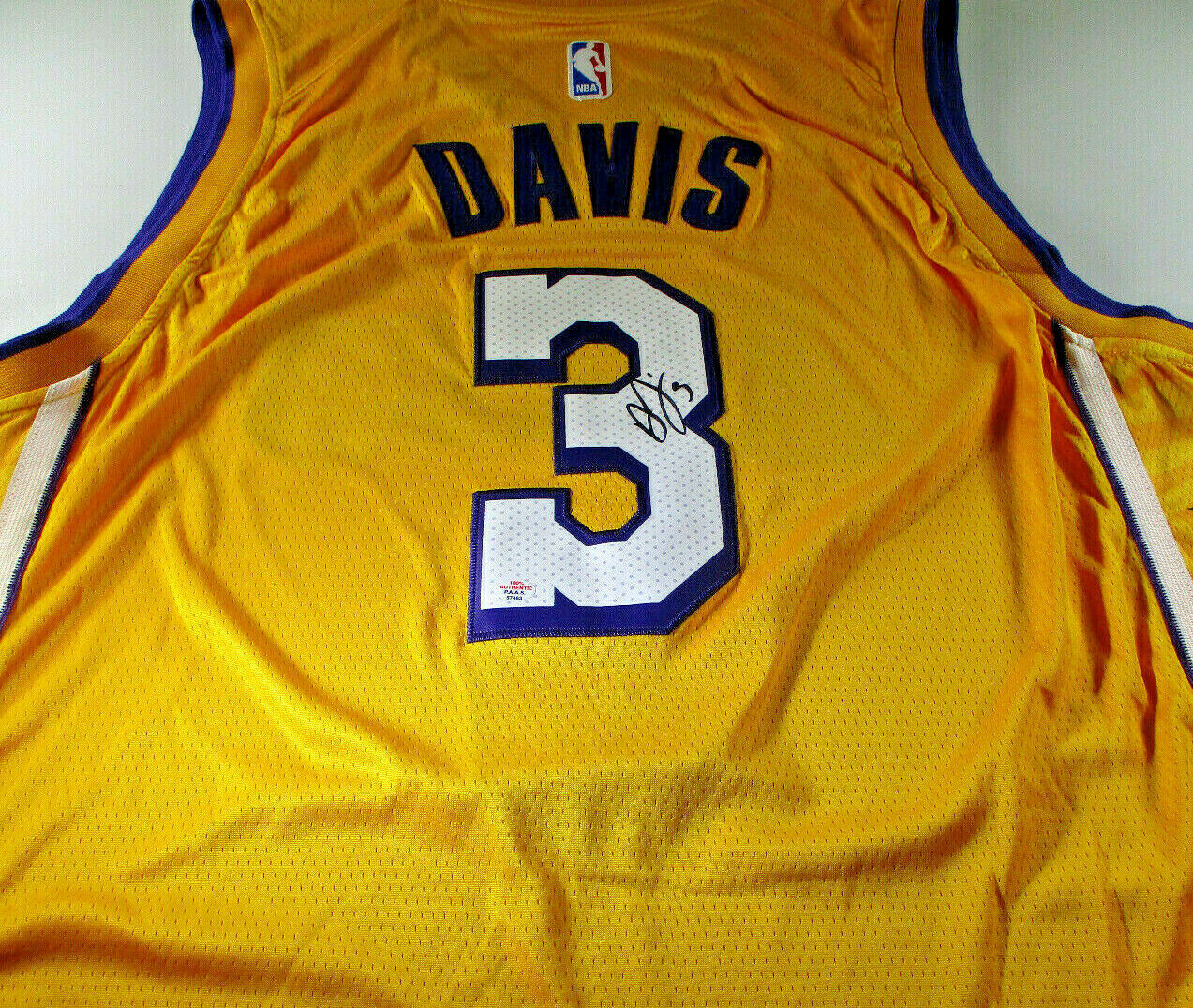 ANTHONY DAVIS / AUTOGRAPHED LOS ANGELES LAKERS PRO STYLE BASKETBALL JERSEY / COA